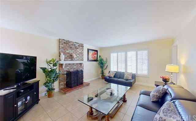 240 S Brentwood Place, Anaheim, CA, 92804,