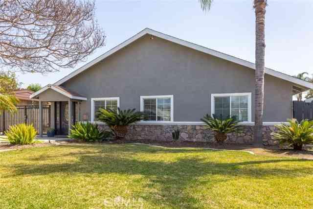 9008 Bright Avenue, Whittier, CA, 90602,