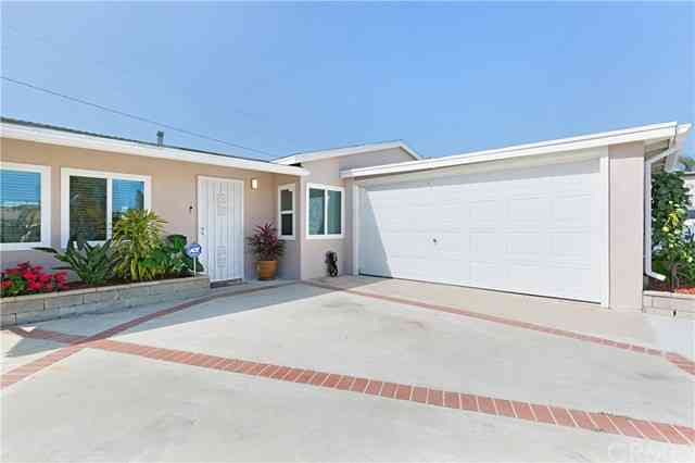 11908 205th Street, Lakewood, CA, 90715,
