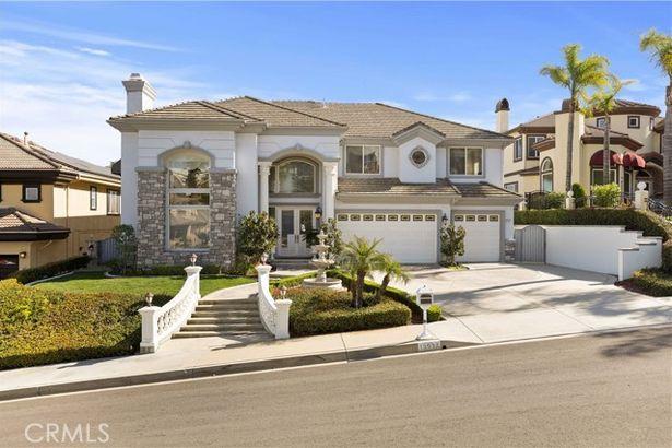 13537 La Sierra Drive