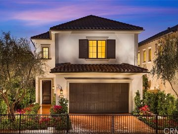 315 Paradiso #18, Irvine, CA, 92602,