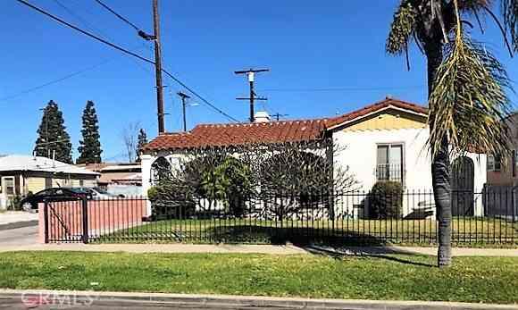845 W 104th St, Los Angeles, CA, 90044,