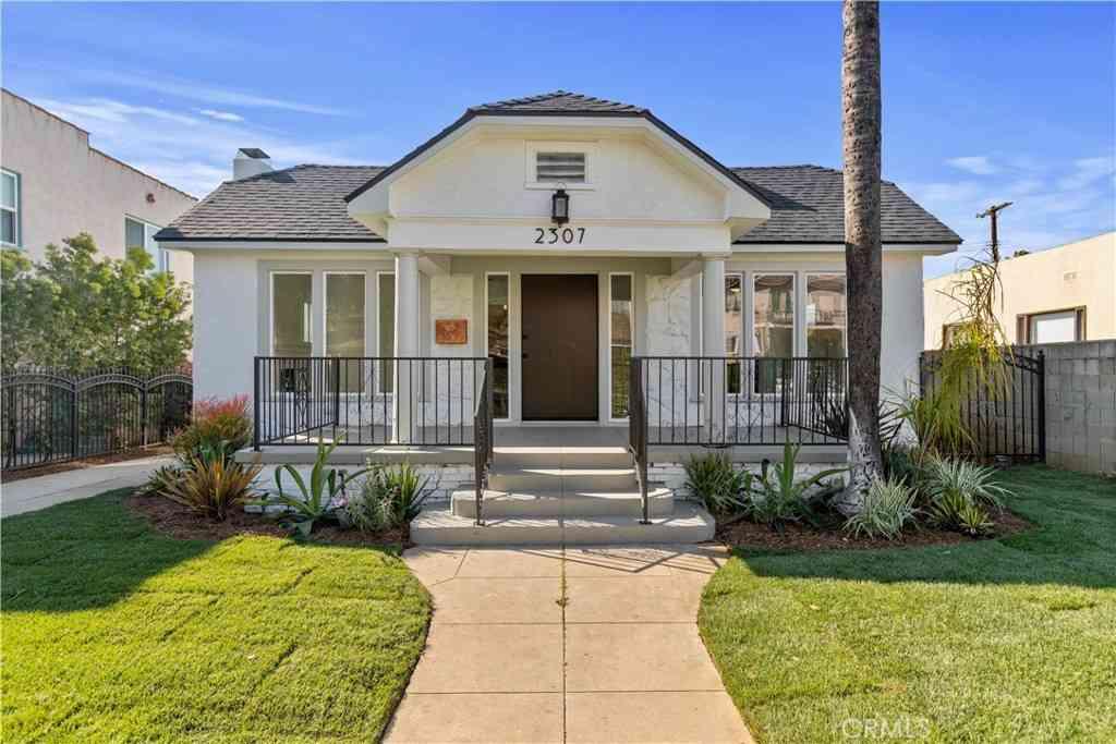 2307 S Bronson Avenue, Los Angeles, CA, 90018,
