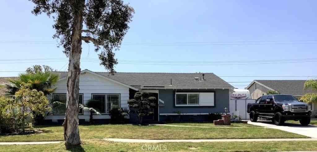 1332 W Maxzim Avenue, Fullerton, CA, 92833,