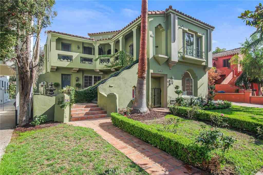 1074 S Genesee Avenue, Los Angeles, CA, 90019,