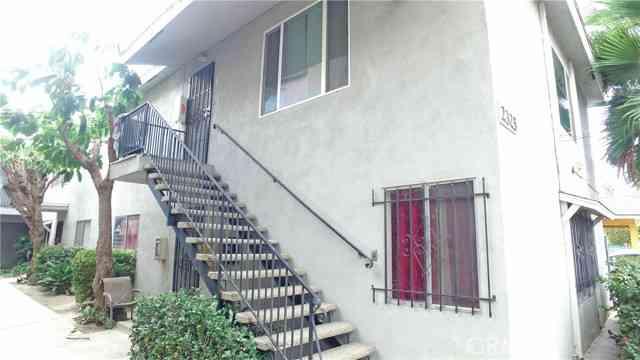 2325 N Earl AVE, Long Beach, CA, 90806,