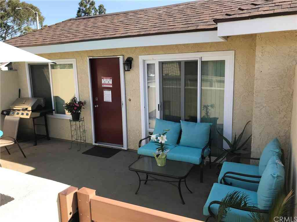16824 Sierra Vista Way, Cerritos, CA, 90703,
