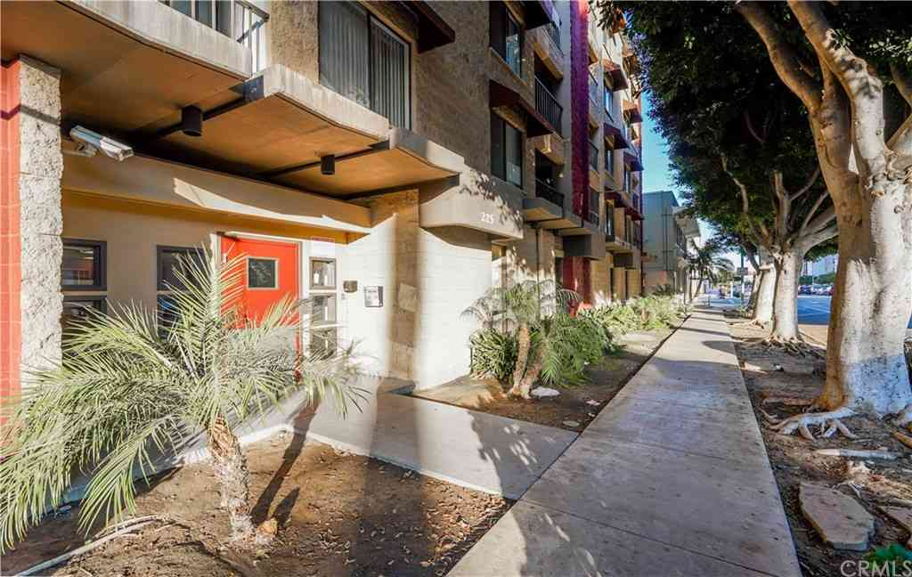 225 W 6th Street #213, Long Beach, CA, 90802,