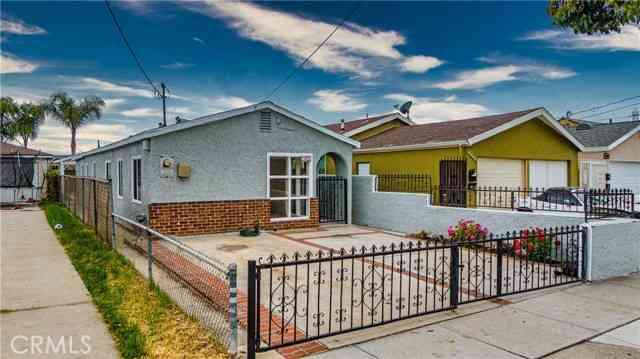 1950 West Arlington Street, Long Beach, CA, 90810,