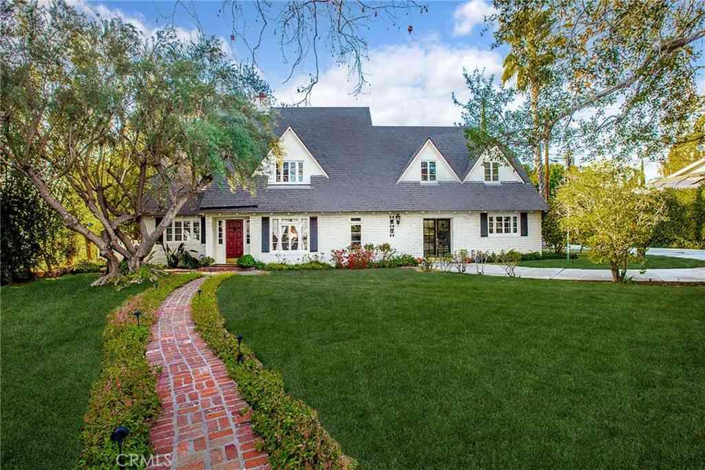 8323 La Bajada Avenue, Whittier, CA, 90605,