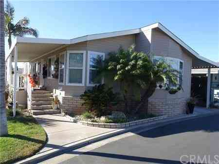 7271 Katella Avenue #64, Stanton, CA, 90680,