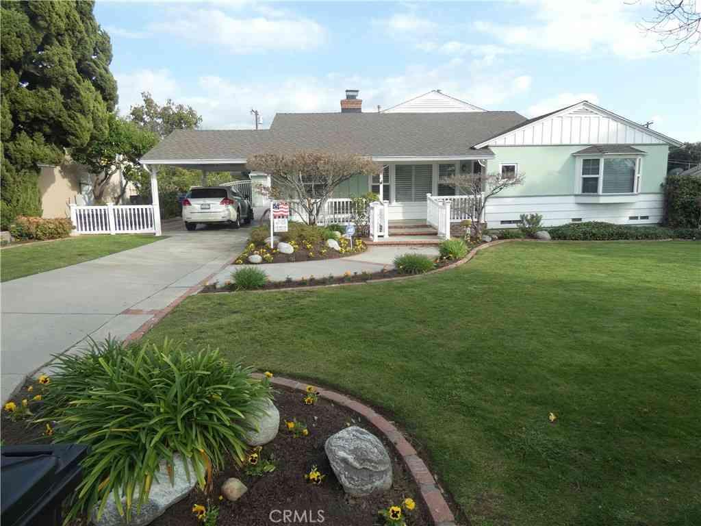 8210 Strub Avenue, Whittier, CA, 90602,