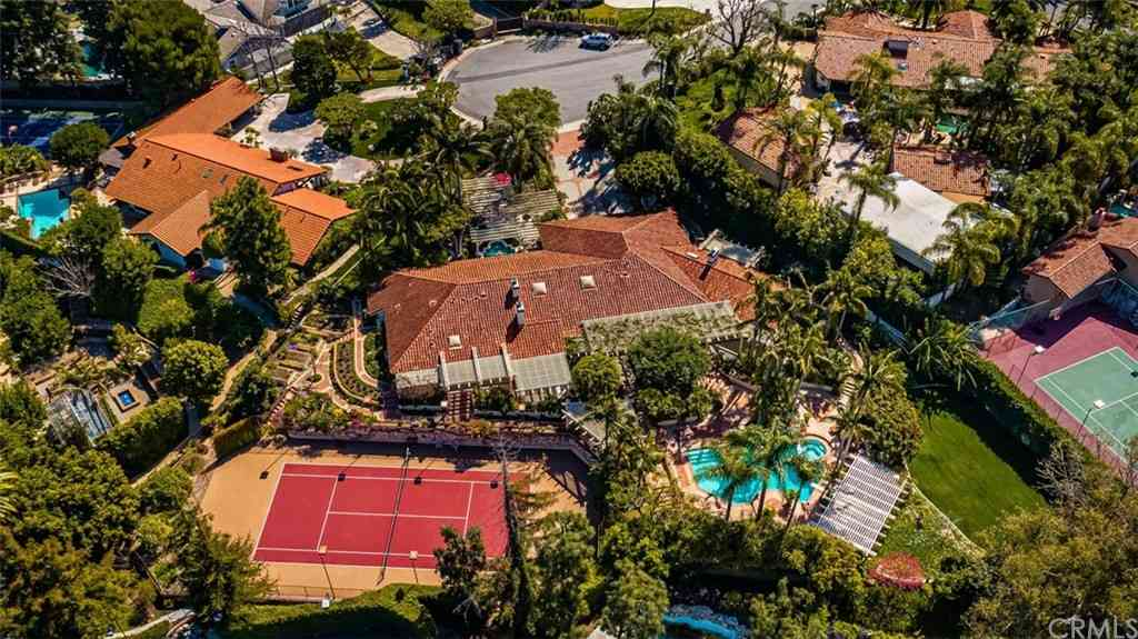 101 S Strada Place, Anaheim Hills, CA, 92807,