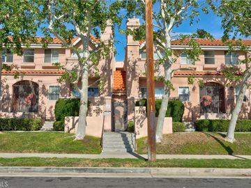 7320 Balboa Boulevard #203, Lake Balboa, CA, 91406,