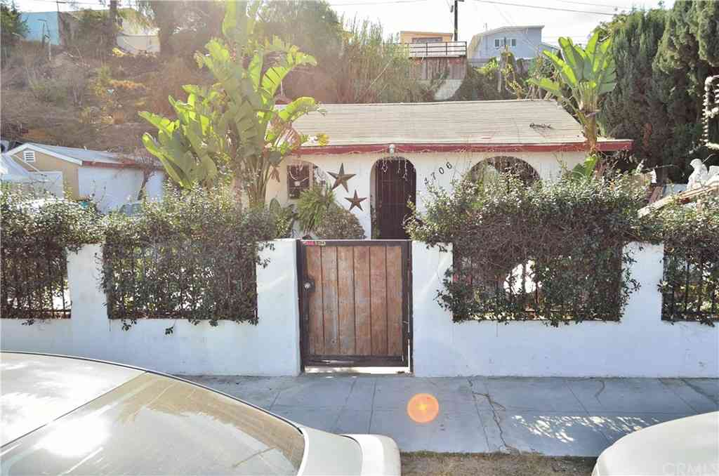4706 St Charles Place, Los Angeles, CA, 90019,