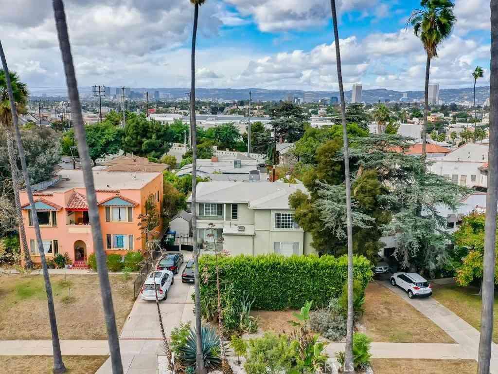 1415 Nadeau Drive, Los Angeles, CA, 90019,