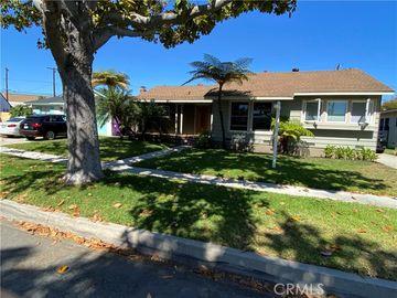 1826 Petaluma Avenue, Long Beach, CA, 90815,