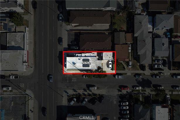 1048 E South Street
