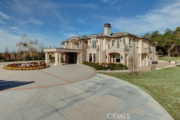 1433 Royal Oaks Drive
