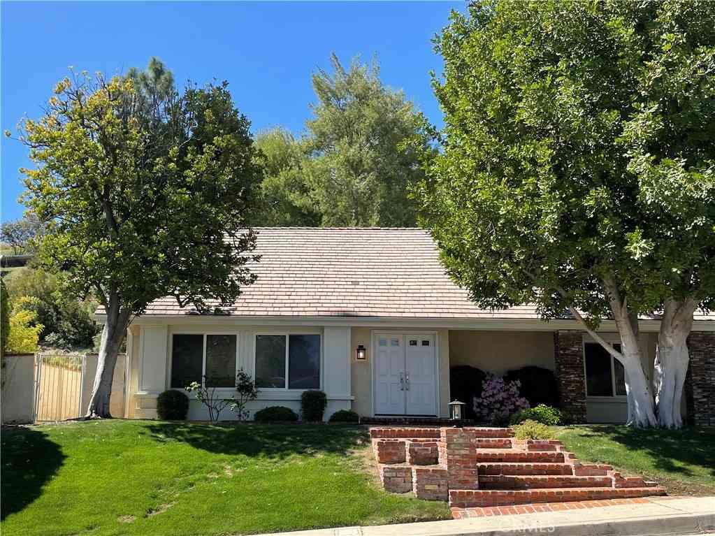 3649 Gleneagles Drive, Tarzana, CA, 91356,