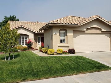 1742 Fairway Oaks Avenue, Banning, CA, 92220,