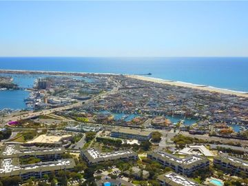 260 Cagney Lane #217, Newport Beach, CA, 92663,