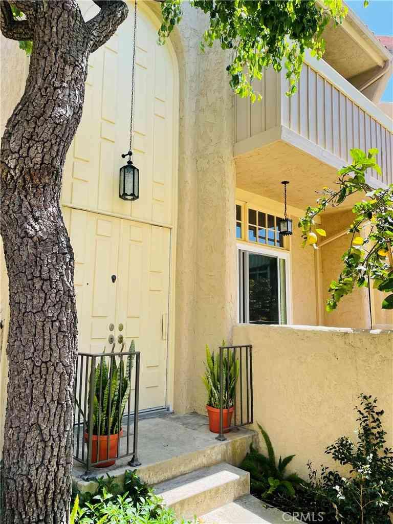 441 2nd Street, Hermosa Beach, CA, 90254,