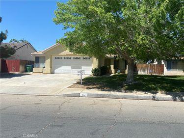 2141 Bend Avenue, Lancaster, CA, 93535,