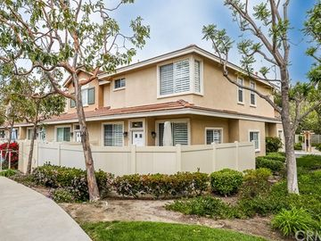 8472 East Tioga Way, Anaheim Hills, CA, 92808,