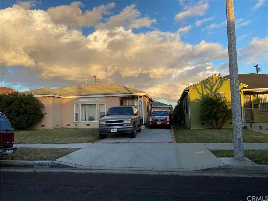 13906 S Nestor Avenue, Compton, CA, 90222,