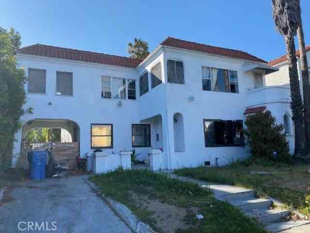 1241 Meadowbrook Avenue, Los Angeles, CA, 90019,