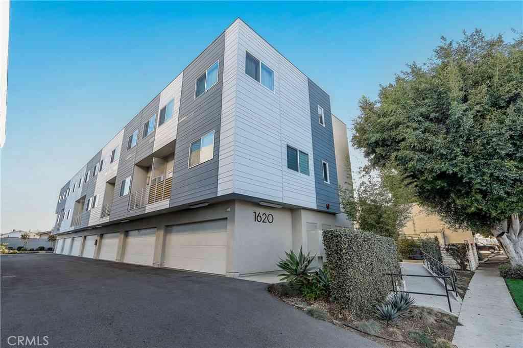 1620 237th Street #9, Los Angeles, CA, 90710,