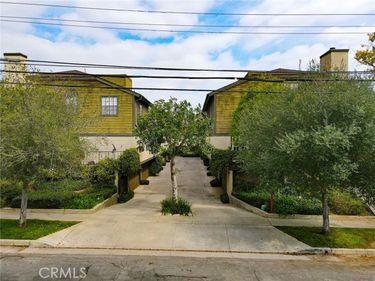64 North Oak Avenue #11, Pasadena, CA, 91107,