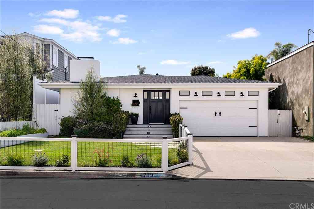 711 Larsson Street, Manhattan Beach, CA, 90266,