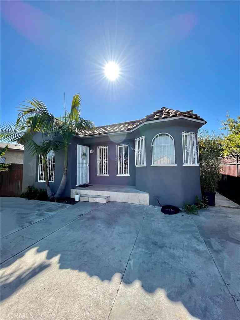 10711 Lou Dillon Avenue, Los Angeles, CA, 90059,