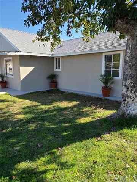 46 West Pleasant Street, Long Beach, CA, 90805,