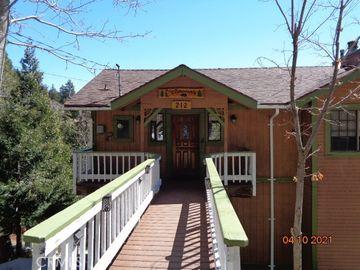 212 Hanson Circle, Cedarpines Park, CA, 92322,