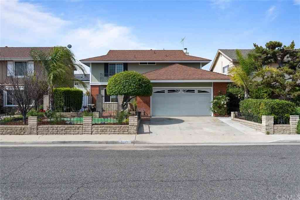 5041 Cordoba Circle, La Palma, CA, 90623,