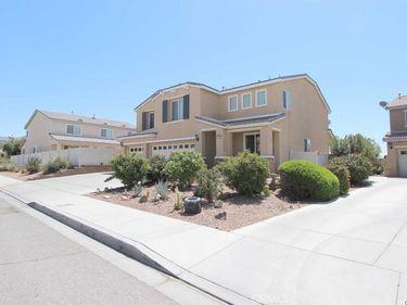 15693 Desert Willow Street, Victorville, CA, 92394,