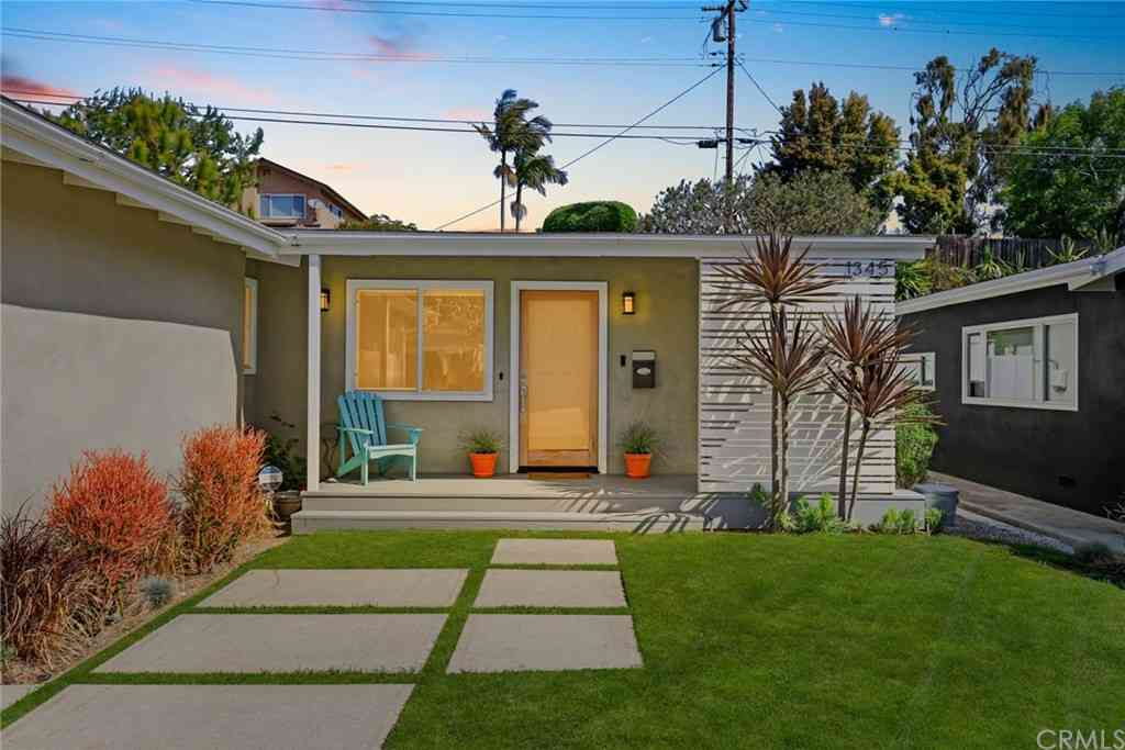 1345 Voorhees Avenue, Manhattan Beach, CA, 90266,