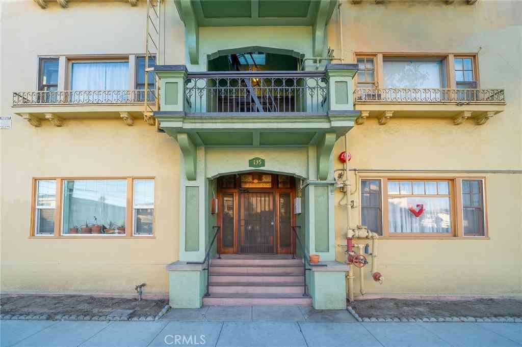 135 Bonito Avenue #14, Long Beach, CA, 90802,