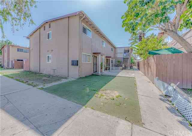 2158 West Brownwood Avenue, Anaheim, CA, 92801,