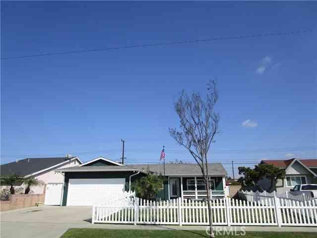 7201 Grandoaks Drive, Stanton, CA, 90680,