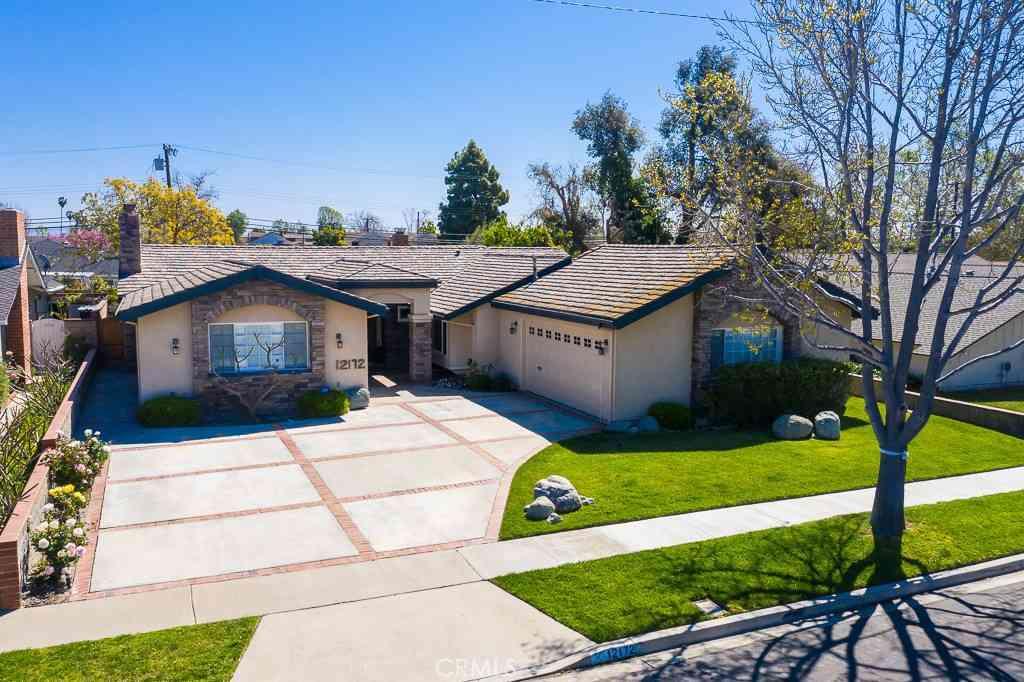 12172 Silver Fox Road, Rossmoor, CA, 90720,