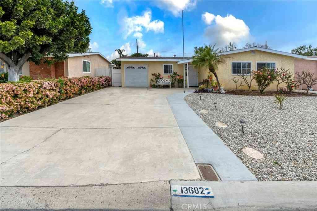 13682 Berkshire Way, Garden Grove, CA, 92843,