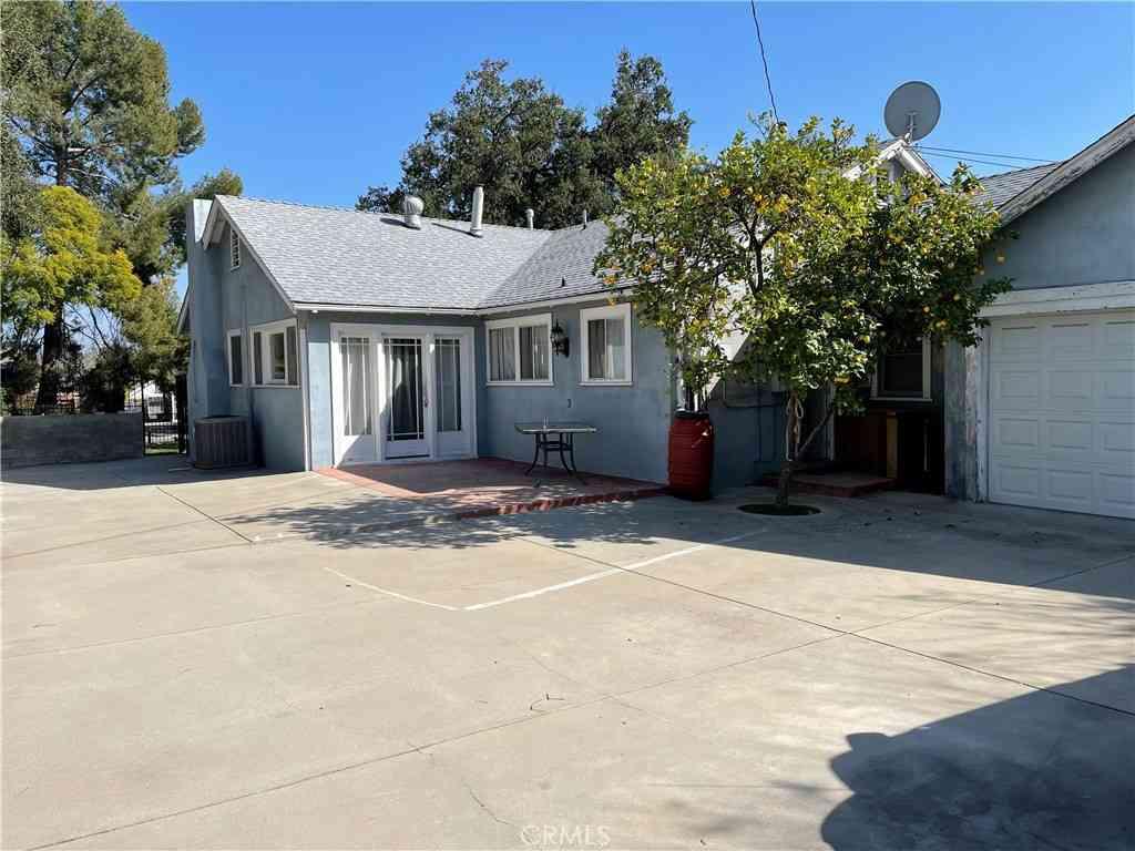 1675 N Allen Avenue, Pasadena, CA, 91104,