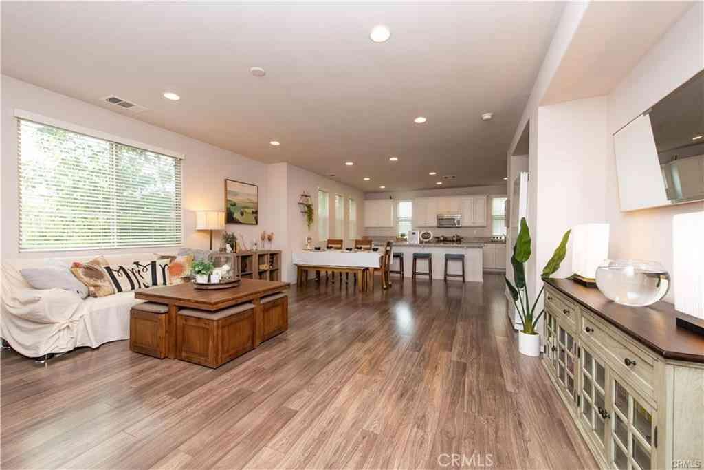1311 Groveside Way, Fullerton, CA, 92833,