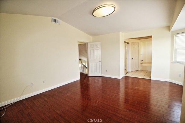 541 Ventura Avenue