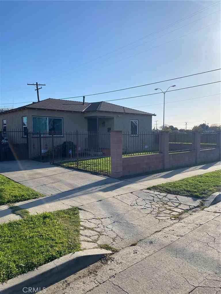 1214 W 129th Street, Compton, CA, 90222,