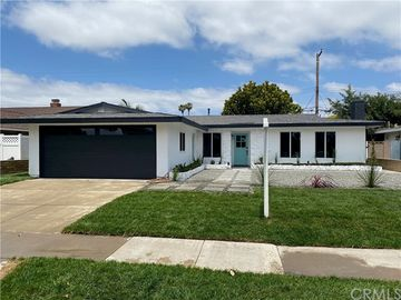 1624 Primrose Street, Costa Mesa, CA, 92626,